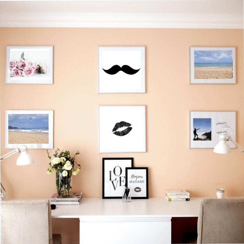 Galeria zdjęć na ścianie – najlepsze inspiracje i sprytny sposób na wykonanie.